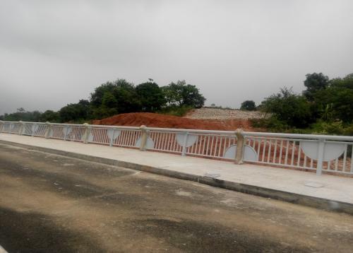 南宁八尺江大桥组合式护栏