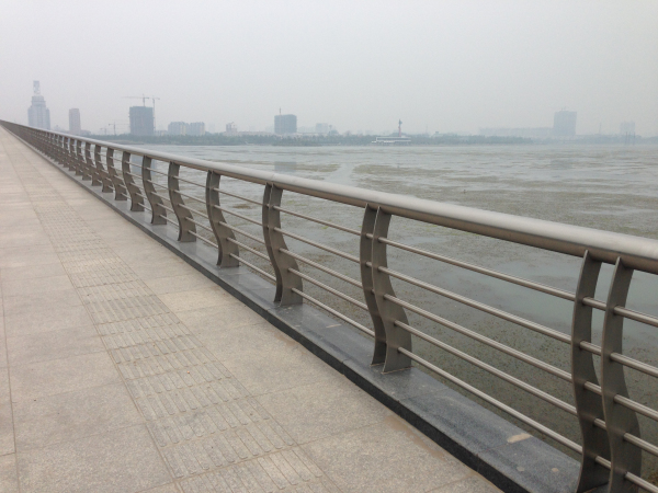 不锈钢复合管栏杆,防撞栏杆,景观防护栏杆