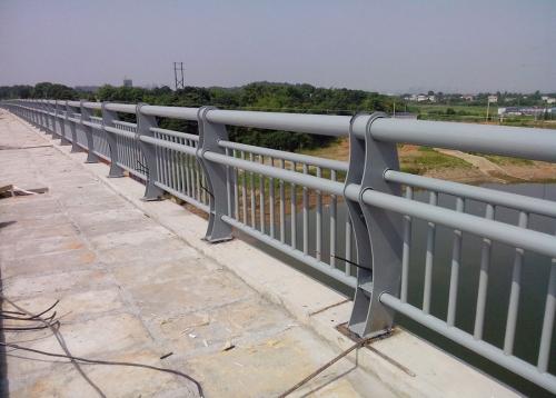 长沙钢结构护栏